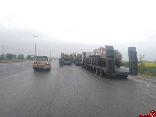 عکس نفربرهای بیتیآر ارتش در حال امدادرسانی به سیلزدگان