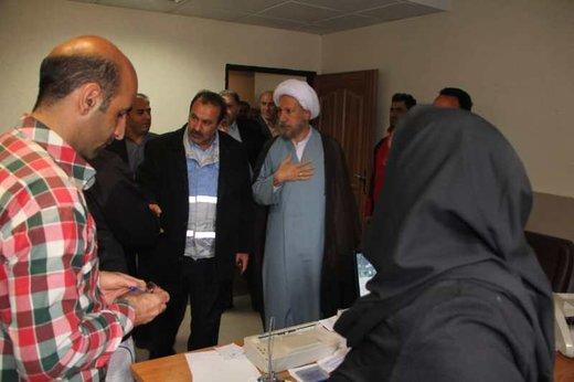 امام جمعه شیراز: مردم خشمگین هستند و فحش میدهند!