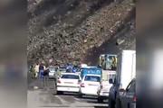 فیلم | لحظه هولناک ریزش کوه در جاده شاهرود