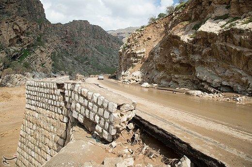 خسارات سیل به جاده خرمآباد- پل دختر