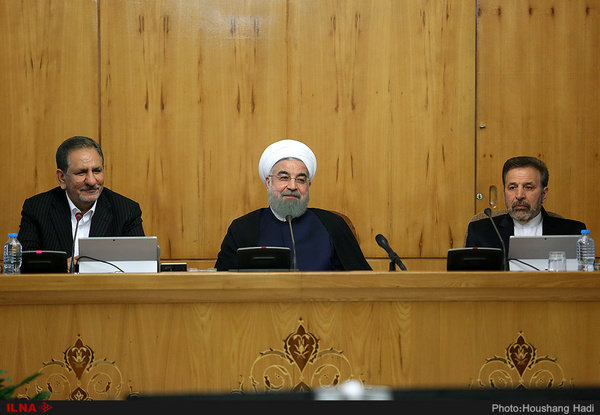 President calls for developing Iran tourism