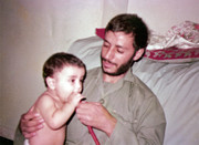 پیام تبریک تولدِ شهید همت که ۹ سال از پسرش کوچکتر است!/ عکس
