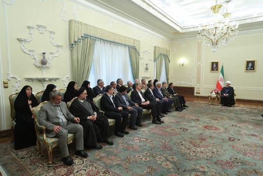 دیدار جمعی از وزراء و مسئولان با رئیس جمهوری