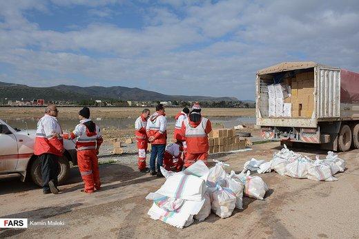 کمک های امدادی به مناطق سیل زده پلدختر و معمولان