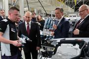 فیلم | ورود پوتین با لیموزین روسی به کارخانه مرسدس بنز