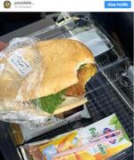 وعده غذایی فلافل در هواپیمای ایرانی/ عکس