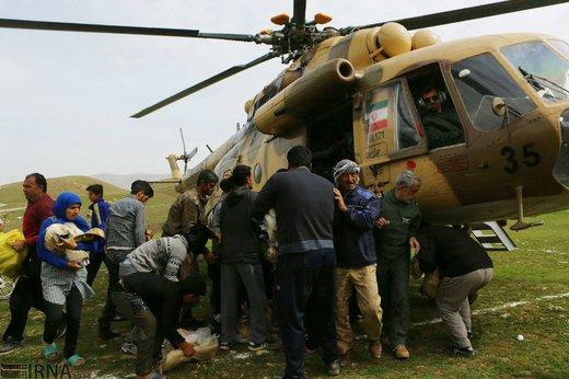 امدادرسانی نیروهای هلال احمر در منطقه پلدختر