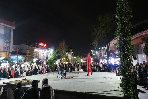 اجرای تئاترخیابانی شادیهای نوروزی در رشت