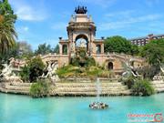 راهنمای سفر به بارسلون و جاذبههای گردشگری آن