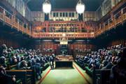 فیلم | حمله شامپانزهها به پارلمان بریتانیا!