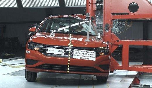 تصاویر آزمایشهای تصادف با ایمنترین خودروی دنیا