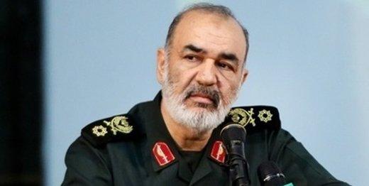سردار سلامی: خوزستان را بهتر از قبل میسازیم/ همه فرماندهان ارشد سپاه درگیر کمکرسانی هستند