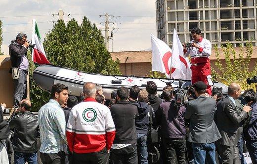 تحویل محموله بشر دوستانه صلیب سرخ آلمان برای سیلزدگان