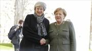 مرکل و  ترزا می در برلین با یکدیگر دیدار کردند