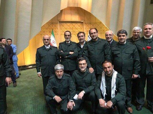 فیلم | حضور نمایندگان مجلس با لباس سپاه در صحن علنی