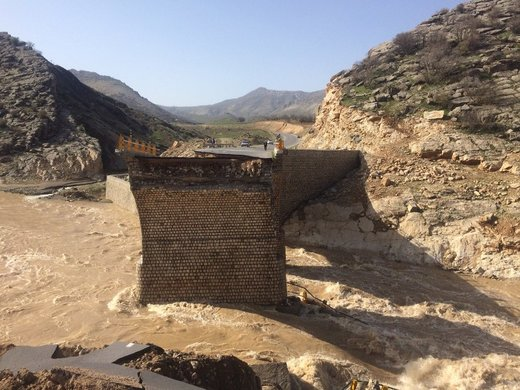 بازداشت سازندگان پلی که در سیل لرستان تخریب شد و تلفات جانی داد