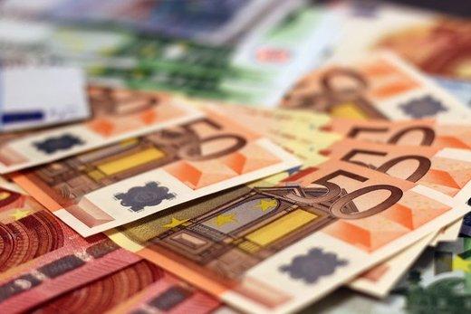 ادامه روند افزایشی قیمت ارز/ یوروی مسافرتی ۱۷۱۳۱ تومان