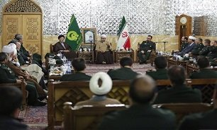 تولیت آستان قدس رضوی: قرار گرفتن سپاه در لیست گروههای تروریستی به معنای ضعف آمریکاست