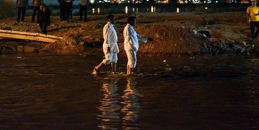 بیشتر خانهها در منطقه عین دو اهواز زیر آب رفتند