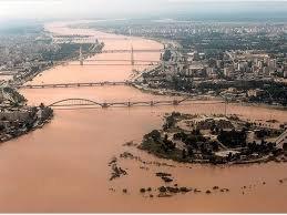مردم سیلزده خوزستان با خطر آلودگی نفتی مواجهند