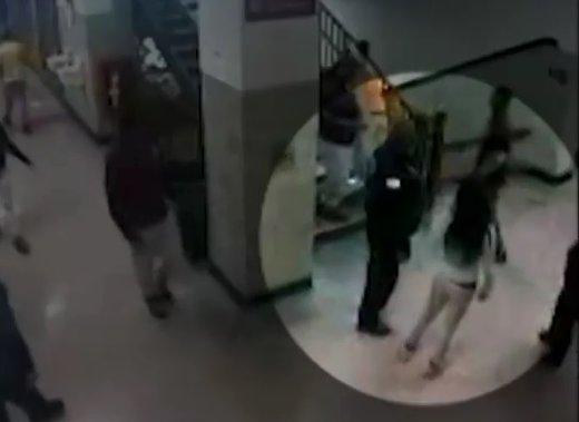 فیلم | رفتار وحشیانه پلیس آمریکا با یک دانش آموز