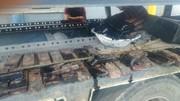 عکس   جاسازی شمش قاچاق مس در جعبه روغن کامیون!