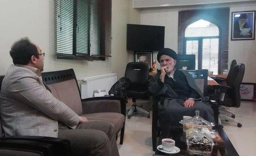 امام جمعهای که در توئیتر فعال است