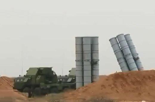 فیلم | آزمایش سیستم موشکی اس ۳۰۰ در مانور نظامی روسیه