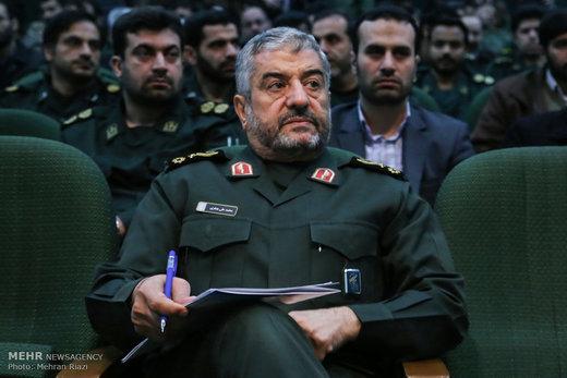 سردار جعفری از رئیس و نمایندگان مجلس به خاطر حمایت از سپاه تقدیرکرد