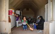 تصاویر | پناه گرفتن سیلزدگان در زاغه مهمات جنگ
