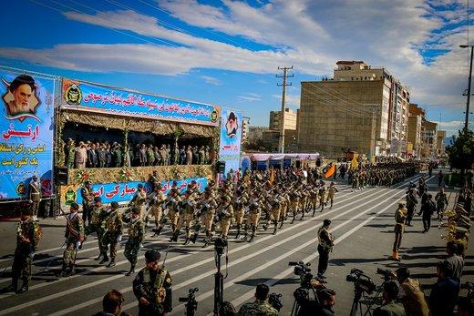 مراسم سان و رژه نیروهای مسلح آذربایجانغربی به مناسبت روز ارتش