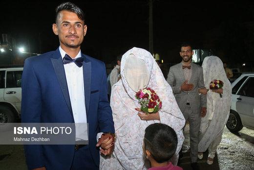 جشن ازدواج دو زوج سیلزده خوزستانی