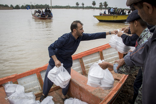 امدادرسانی مواکب اربعین حسینی به سیلزدگان خوزستانی