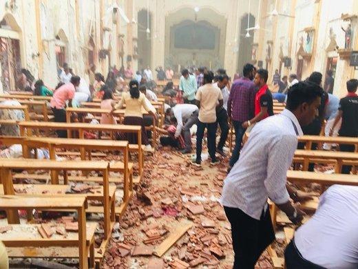 فیلم | لحظاتی بعد از انفجار مرگبار در کلیسای سریلانکا (۱۶+)