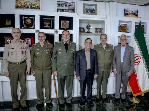 ۶ فرمانده نیروی زمینی ارتش در یک قاب/ عکس
