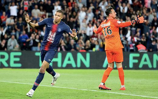 امباپه رکورد تاریخ فوتبال را میشکند
