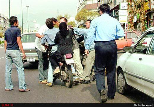 چاقوکشی و درگیریهای منجر به قتل در تهران سر جای پارک/ انتقاد از سهلانگاری شهرداری در ساماندهی پارکهای حاشیهای
