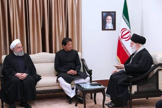 Supreme Leader receives Pakistani PM