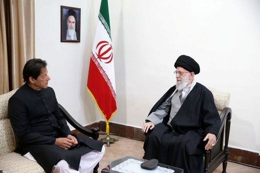 Supreme Leader: Iran, Pakistan need to forge ties