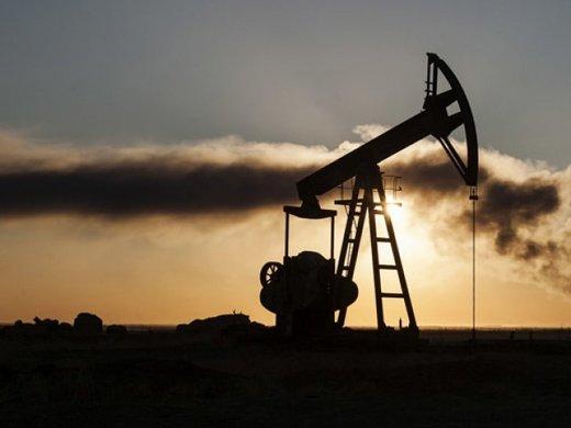 ستة عوامل تجعل مستهلكي النفط يقبلون على البورصة الإيرانية لشرائه