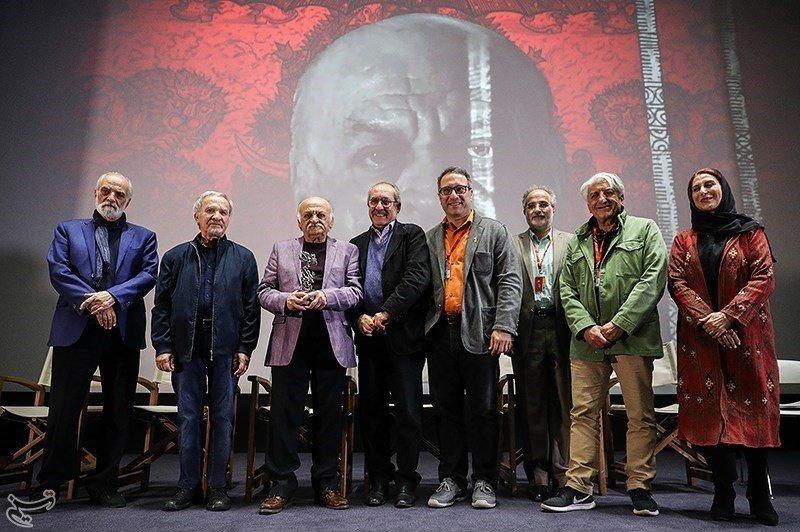 تصاویر   حاشیههای حضور هنرمندان در پنجمین روز جشنواره جهانی فیلم فجر