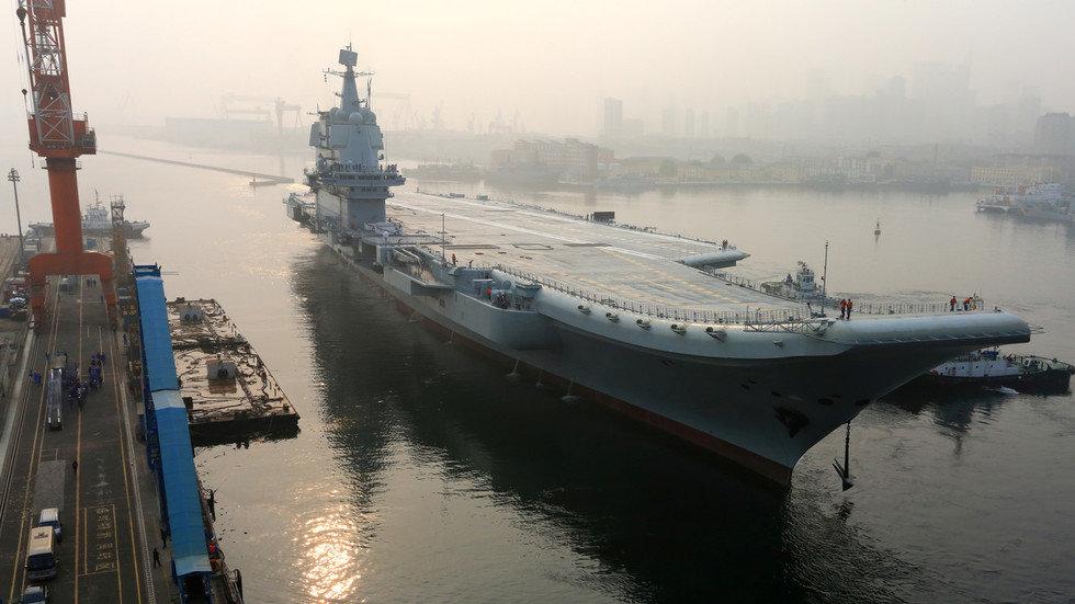 اولین ناو هواپیمابر ساخت چین رونمایی شد - 8