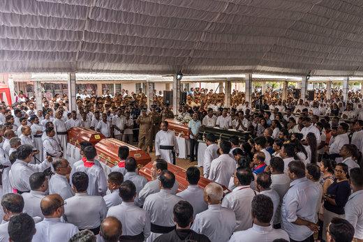 خاکسپاری قربانیان حملات تروریستی سریلانکا