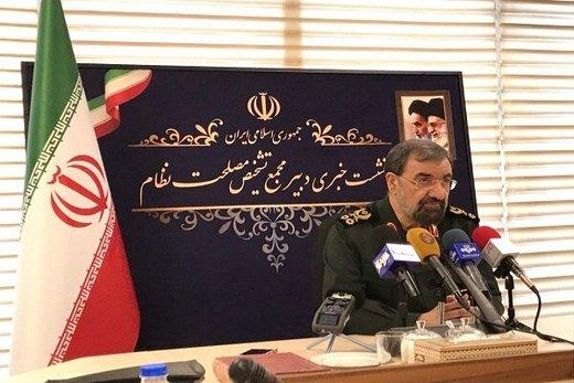 محسن رضایی: صنعت در کشور راه بیافتد، نفت خام کم میآوریم