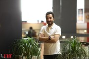 اعتراض نوید محمدزاده به وضعیت اکران فیلم «سرخپوست»/ عکس