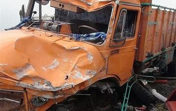 تصادف کامیون و تانکر گاز در تهران یک کشته داشت/ عکس