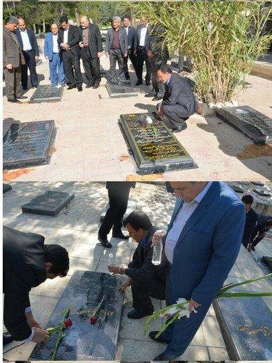 غباررویی گلزار شهدای خرم آباد در اولین روز هفته کار و کارگر