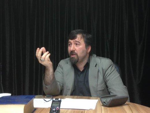 میری، استاد دانشگاه: انقلاب نکردیم که مینیژوبها به چادر و ریش سه تیغ به ریش بلند تبدیل شود
