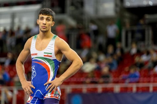 Iranian wrestler bags gold in Asian champs