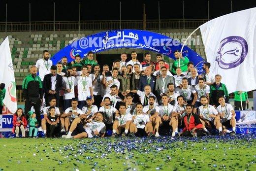جشن قهرمانی گل گهر در کرج؛ صعود به لیگ برتر با ۵۸ امتیاز